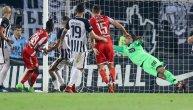 Sudijski ekspert tvrdi: Zvezda i Partizan imaju gol-tehnologiju na stadionima!