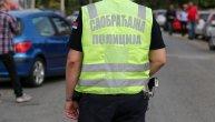 """Žestok sudar na Novom Beogradu, semafori ne rade, Pupinov most u mraku: """"Punto"""" se isprevrtao na raskrsnici, 4 mladića jedva izvukla živu glavu"""