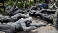 Ovi ljudivraćaju umetnost u život. Zavirite u nesvakidašnju bolnicu za statue (FOTO)