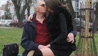 Milijana (21) u miniću uskočila u krilo Milojku (74) posle pregovora za ulazak u Zadrugu: Volim kad me snimaju! (FOTO) (VIDEO)