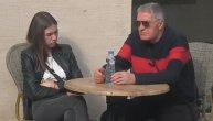 """""""Ovde mi je drugi osećaj"""": Milijana (21) prevrtala očima dok ju je Milojko (74) tešio, ustala i otišla od njega, pa rekla da nije trebalo da ga uvodi u rijaliti (VIDEO)"""
