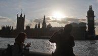 Sva magija prolećne Temze: Sunce zalazi iza zgrade Parlamenta