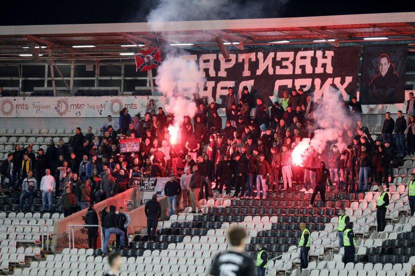 Navijači Partizana, Grobari, bakljada