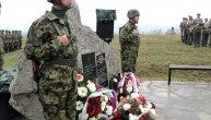 Tamo gde je bio šator koji su pogodile bombe,zasađeno je 7 četinara, za 7 poginulih vojnika: Jedini preživeli je desetar Ivan, ovo je njegova priča