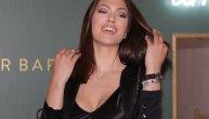 Nina Radulović stavila ogromne silikone, pa sad ponosno šeta u majici bez brusa (FOTO)
