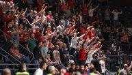 (UŽIVO) Košarkaš Budućnosti izazvao skandal, navijači Zvezde dočekali goste brutalnim uvredama! (FOTO) (VIDEO)