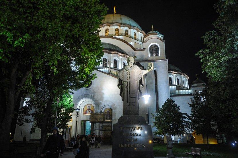 Ponoćne liturgijame u pravoslavnim hramovima