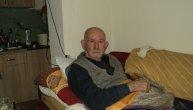 Trifun (86) već 20 godina spava iznad neeksplodirane NATO bombe: Žena mu je umrla od tuge, a niko ga iz straha ne posećuje (FOTO)