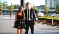 Mirka u fatalnom izdanju sa Vujadinom stigla na venčanje Džajine ćerke i Miloša, otkrila šta će poželeti i pokloniti mladencima (VIDEO) (FOTO)