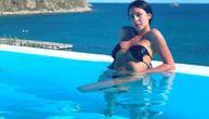 Cecina ćerka na Mikonosu proslavlja 21. rođendan: Novim seksi slikama u minijaturnom bikiniju zahvalila na čestitkama (FOTO)