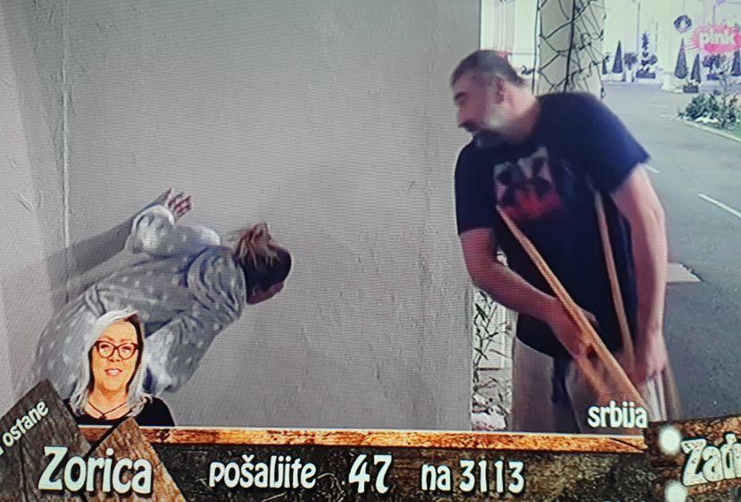 Miki tuča Nadežda štake batine