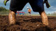 """U blatu do kolena: Tako izgleda ruski turnir u """"močvarnom fudbalu"""" (FOTO)"""