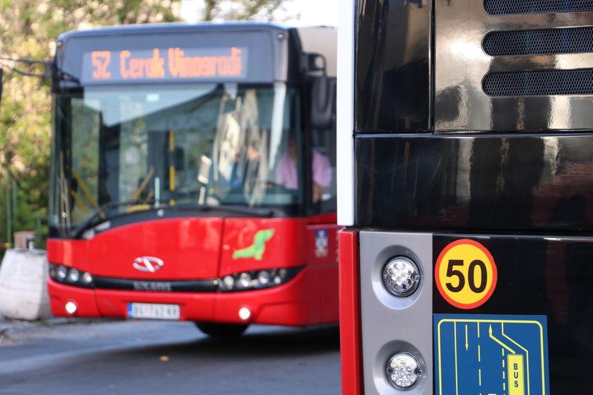 Autobus 52