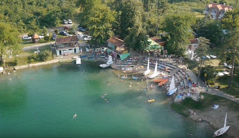 bela crkva jezera