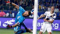 Dve nove majstorije Zlatana Ibrahimovića: Dao magičan gol glavom, golman nemoćno gledao (VIDEO)