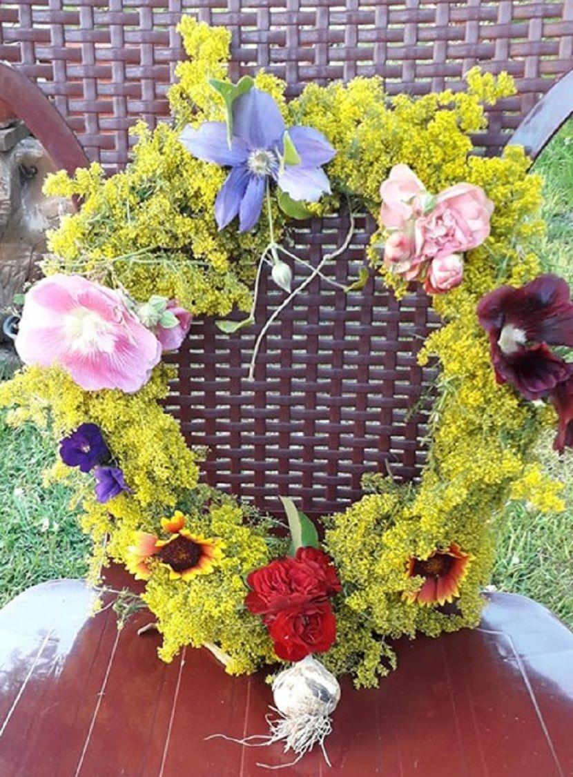 Ivanjdan, venac, cveće