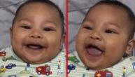Apćiha! Beba se zaceni od smeha svaki put kad tata kine (VIDEO)