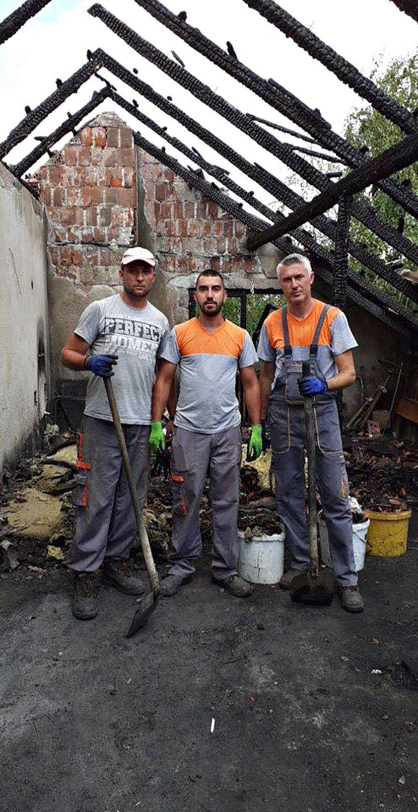 Jagodina požar, prijatelji i kolege porodice Popović kojoj je grom udario u kuću,
