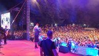 Lepa Brena zapalila Vrnjačku banju: Publika uglas pevala njene hitove (VIDEO)