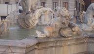 Holanđanin krao novčiće iz fontane usred Rima, sada će morati da plati kaznu od 550 evra