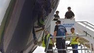 Pogledajte kako policija proverava da li je postavljena bomba u avionu u Beogradu (FOTO) (VIDEO)