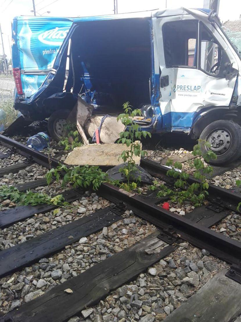 Saobracajna nesreca voz, kombi, Pancevo