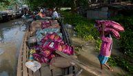 Skoro 100 mrtvih u monsunskim poplavama u Indiji, tigrovi beže u kuće ljudi (FOTO)