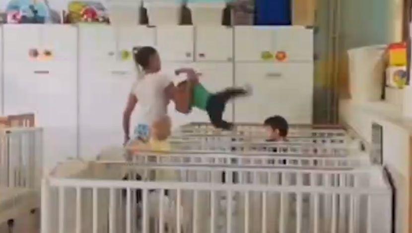 Zvečanska, vaspitačica neprimerno se odnosi sa decom