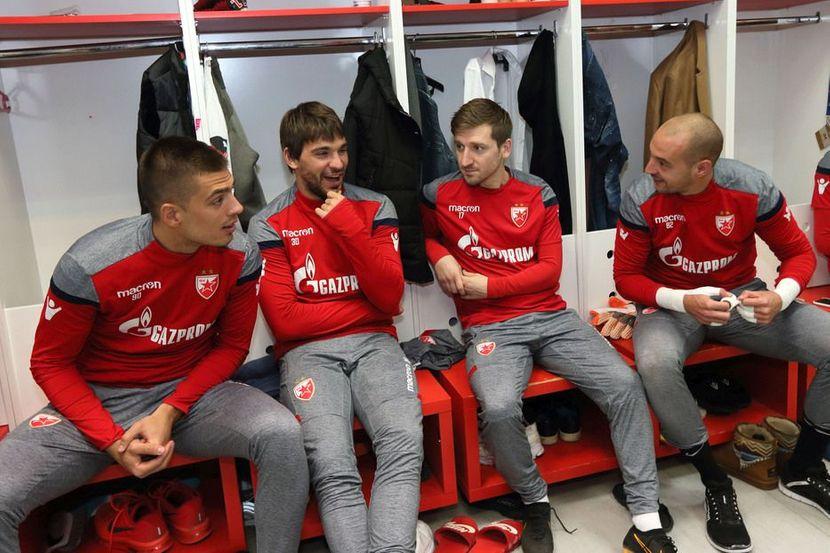 Vujadin Savić, Marko Marin, Filip Stojković, Milan Borjan, FK Crvena zvezda, svlačionica