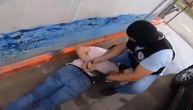 """Bosanac i Srbin """"pali"""" sa kilogramom heroina: Uhapšeni na pumpi, a kod njih pronađene lažne isprave"""