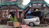 Uhapšen vozač koji je jutros kolima uleteo u kafić: Srušio ga kao kulu od karata a evo kako su gosti