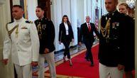 Melanija Tramp nosi crno odelo koje bi svaka žena trebalo da ima (FOTO)