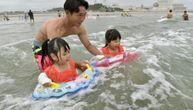 8 godina nakon katastrofe otvorena plaža kod Fukušime: Deca se kupala u zoni koja je bila zabranjena