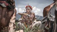 Pleme sa Nove Gvineje izolovano je od sveta. Svi su ljudožderi, a jako su ljubazni prema nepoznatima