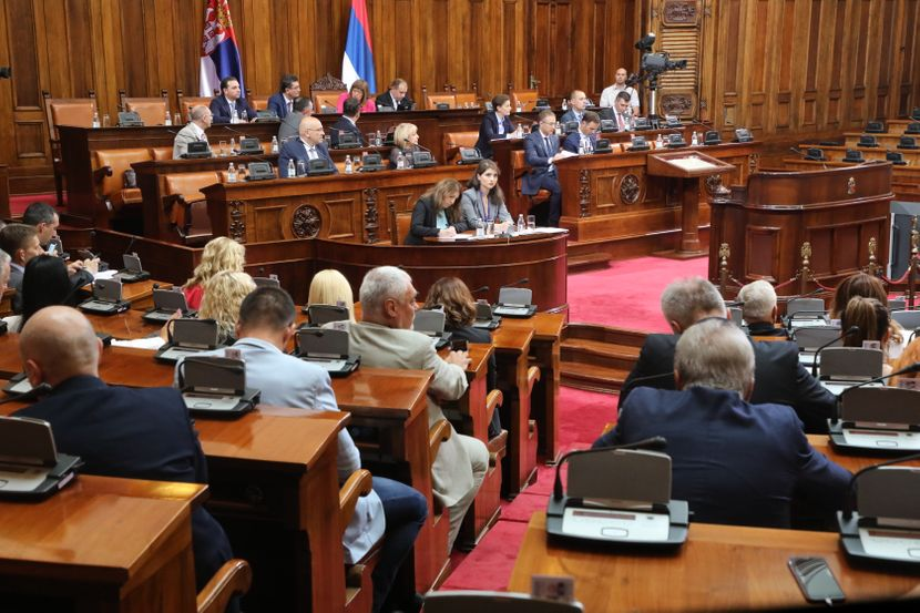 Poslanička pitanja, Skupština Srbije