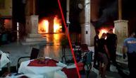 Restoran na splitskom trgu u plamenu: Eksplodirala plinska boca, turisti u panici bežali