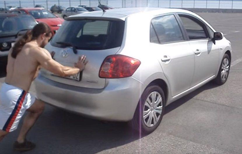guranje automobila