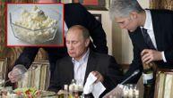 Ovako izgleda doručak Vladimira Putina i ne može da prođe bez ovog sira koji sami možete napraviti