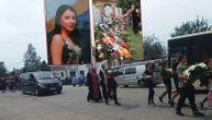 Sahranjeno troje mladih koji su poginuli u nesreći kod Šapca: Tužne povorke se sastale kod crkve