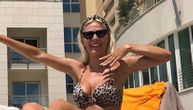 Vesna Đogani pokazala čvrst seksi stomak u tigrastom bikiniju, a tek kada je ustala... (FOTO)