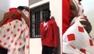 Nije video porodicu 3 godine: Košarkaš došao iz Amerike u Senegal i priredio porodici najlepše suze