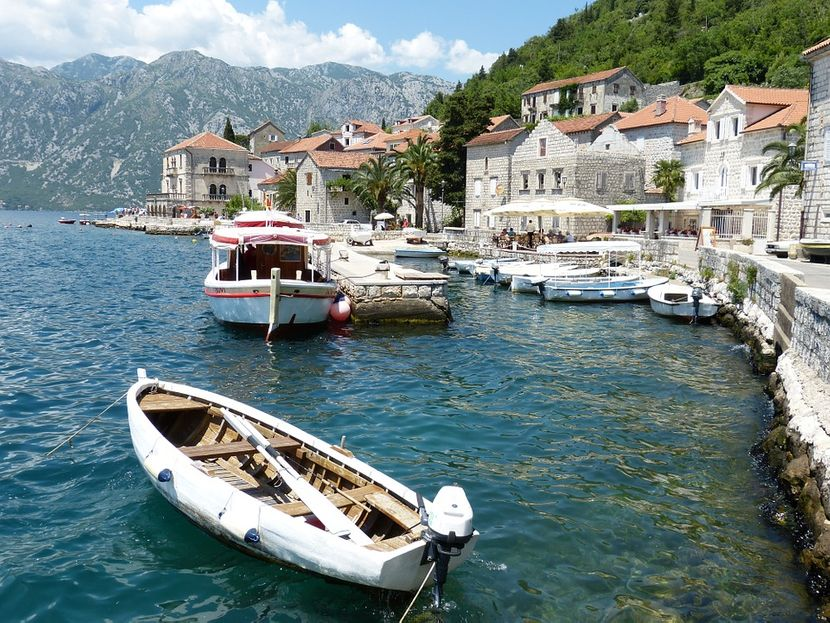 Crna gora, Perast