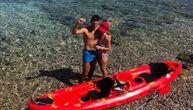 Nole i Jelena iznenadili još jednom fotkom sa odmora iz Hrvatske: Sa tenisa Đokovići prešli na kajak