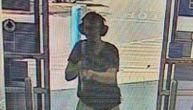Ovo je muškarac (21) koji je uleteo u tržni centar sa puškom, pa izmasakrirao ljude (FOTO)