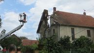 """""""Bilo je gore od NATO bombi"""": Nišlijama drvo staro 100 godina urnisalo kuću, srušilo krov i zidove"""