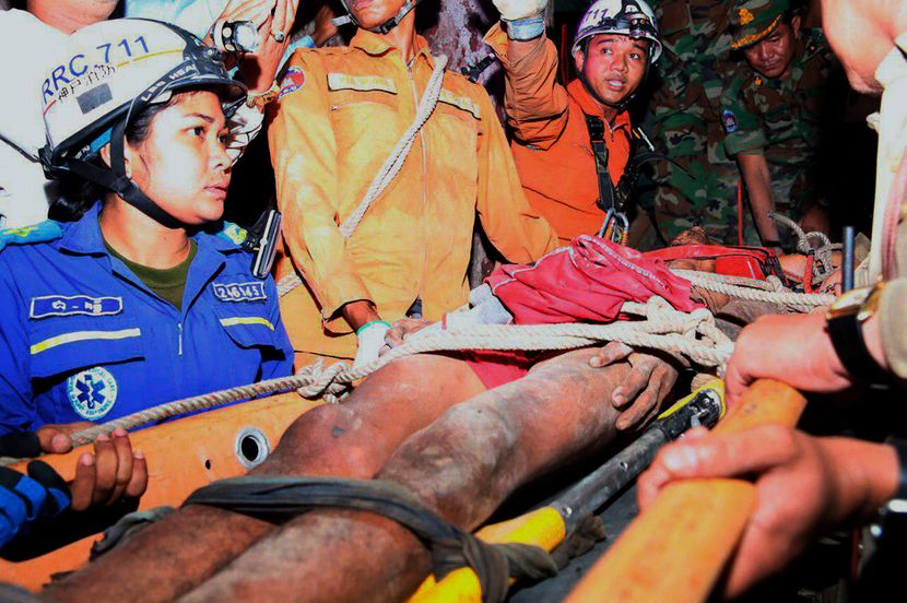 Kambodza, covek spaseen iz pecine