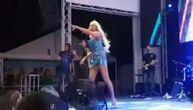 Nataša Bekvalac prštala od seksepila, vatrenim nastupom zapalila publiku u Vrnjačkoj Banji (VIDEO)
