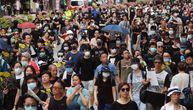 Hiljade demonstranata na ulicama Hongkonga uprkos policijskoj zabrani, ponovo ispaljen suzavac
