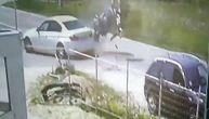 Auto naglo skrenuo, motor na kome je bilo i dete se zakucao u njega: Nova nesreća u Srbiji (VIDEO)