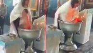 Užas u pravoslavnoj crkvi: Pop mlatarao bebom na krštenju, pa je povredio. Dobio je i pare (VIDEO)